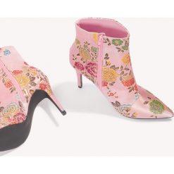 Botki damskie lity: NA-KD Shoes Satynowe botki w żakardowe kwiaty - Pink