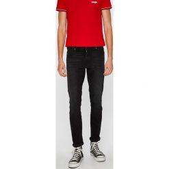 Wrangler - Jeansy Larston. Czarne jeansy męskie regular Wrangler, z bawełny. Za 319,90 zł.