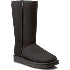 Buty UGG - W Classic Tall II 1016224 W/Blk. Czarne buty zimowe damskie Ugg, ze skóry, przed kolano, na wysokim obcasie. Za 1259,00 zł.
