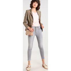 LOIS Jeans CORDOBA17 Jeans Skinny Fit frayed stone. Czarne jeansy damskie marki LOIS Jeans, z bawełny. W wyprzedaży za 275,40 zł.