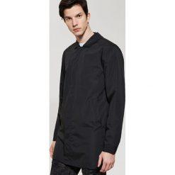 Płaszcze męskie: Płaszcz zapinany na guziki – Czarny