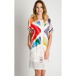 Sukienki hiszpanki: Biała sukienka w kolorowe wzory BIALCON