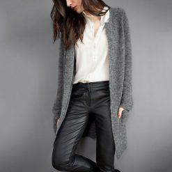 Długi sweter rozpinany z dzianiny mulinowej. Czarne kardigany damskie La Redoute Collections, s, z dzianiny. Za 274,68 zł.