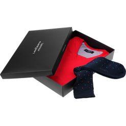 Zestaw Sweter plus Skarpety. Czerwone skarpetki męskie LANCERTO, z bawełny. Za 149,80 zł.