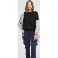 Czarna Bluza Half A Minute. Czarne bluzy damskie marki other, na jesień, l. Za 49,99 zł.