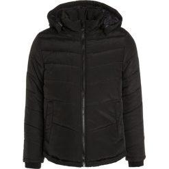 BOSS Kidswear Kurtka zimowa schwarz. Niebieskie kurtki chłopięce zimowe marki BOSS Kidswear, z bawełny. W wyprzedaży za 479,25 zł.
