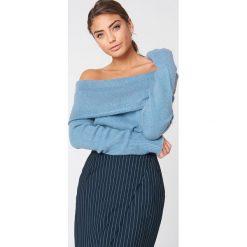 NA-KD Szeroki sweter z odkrytymi ramionami - Blue. Niebieskie swetry oversize damskie NA-KD, z dzianiny. Za 80,95 zł.