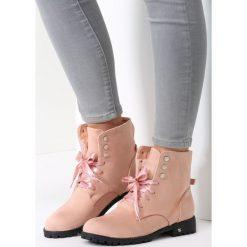 Różowe Botki Get Lucky. Brązowe botki damskie saszki marki vices, z materiału, ze szpiczastym noskiem, na wysokim obcasie. Za 59,99 zł.