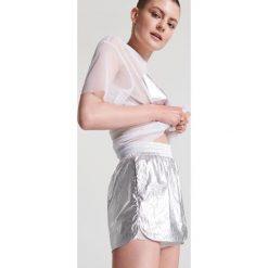Szorty damskie: Srebrne szorty – Srebrny