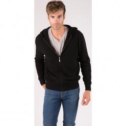 Kardigan kaszmirowy w kolorze czarnym. Czarne swetry rozpinane męskie marki Reserved, m, z kapturem. W wyprzedaży za 434,95 zł.
