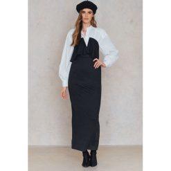 Boohoo Warstwowa długa sukienka - Black. Czarne długie sukienki marki Boohoo, z długim rękawem. W wyprzedaży za 30,29 zł.