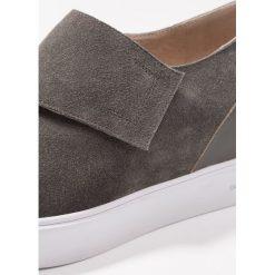 Trampki damskie slip on: Shoe The Bear LISA Tenisówki i Trampki dark grey