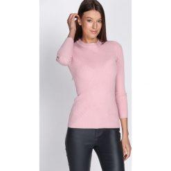 Różowy Sweter Reasonableness. Czerwone swetry klasyczne damskie Born2be, na jesień, l. Za 39,99 zł.