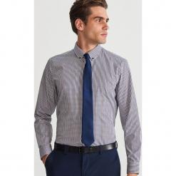 Bawełniana koszula w kratę - Brązowy. Białe koszule męskie marki Reserved, l, z dzianiny. Za 119,99 zł.