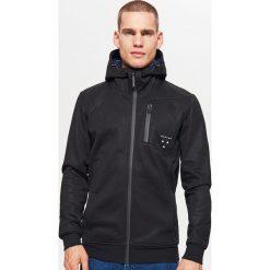 Polarowa bluza z kapturem - Czarny. Czarne bluzy męskie rozpinane marki Cropp, l, z polaru, z kapturem. Za 139,99 zł.