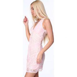 Sukienka z głębokim dekoltem koronka jasnoróżowa ZZ302. Białe sukienki koronkowe marki Fasardi, l. Za 99,00 zł.