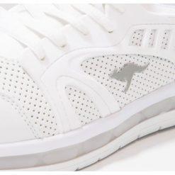 KangaROOS KATHLED II Tenisówki i Trampki white. Białe trampki chłopięce KangaROOS, z materiału. W wyprzedaży za 160,30 zł.