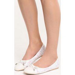 Białe Balerinki One Desire. Białe baleriny damskie marki Born2be, ze skóry, na płaskiej podeszwie. Za 59,99 zł.