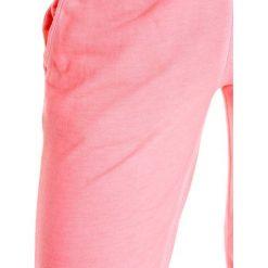 Adidas Spodnie sportowe damskie W Washed Pant różowe r. 32 (AB2143). Czerwone spodnie sportowe damskie marki Adidas. Za 98,55 zł.