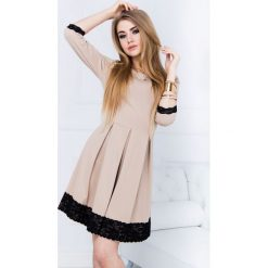 Sukienki: Sukienka kloszowana z koronką