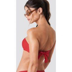 J&K Swim X NA-KD Góra bikini z okrągłym detalem - Red. Zielone bikini marki J&K Swim x NA-KD. Za 60,95 zł.