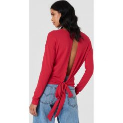 Swetry klasyczne damskie: NA-KD Trend Sweter z wiązaniem z tyłu - Red