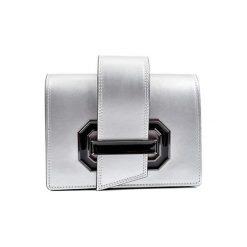 Torebki klasyczne damskie: Skórzana torebka w kolorze srebrnym – (S)22,5 x (W)16 x (G)7,5 cm