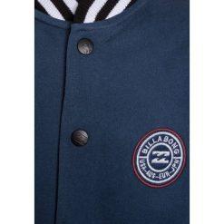 Billabong TEDDY Bluza rozpinana deep blue. Niebieskie bluzy chłopięce rozpinane marki Billabong, z bawełny. W wyprzedaży za 167,20 zł.