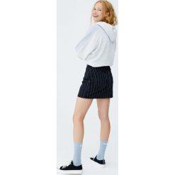 Minispódniczka jeansowa w paski. Szare spódniczki jeansowe Pull&Bear, w paski. Za 89,90 zł.
