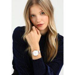 Olivia Burton 3D BEE Zegarek blush. Czerwone, analogowe zegarki damskie Olivia Burton. Za 579,00 zł.