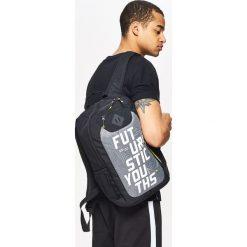 Plecaki męskie: Plecak z neonowymi detalami - Czarny