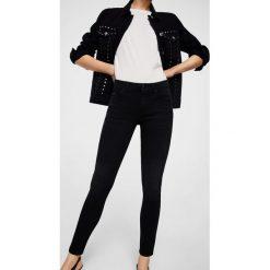 Mango - Jeansy Olivia2. Niebieskie jeansy damskie rurki marki House, z jeansu. W wyprzedaży za 99,90 zł.