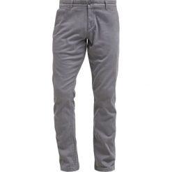 Chinosy męskie: DOCKERS PACIFIC FIELD Spodnie materiałowe burma grey