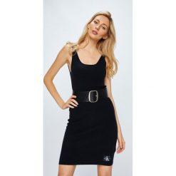 Calvin Klein Jeans - Sukienka. Szare sukienki dzianinowe marki Calvin Klein Jeans, na co dzień, m, casualowe, z okrągłym kołnierzem, mini, dopasowane. W wyprzedaży za 239,90 zł.