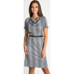 Sukienki: Szara sukienka z paskiem z dekoltem woda QUIOSQUE