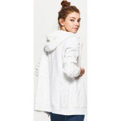 Bluzy rozpinane damskie: Zapinana bluza z kapturem - Biały