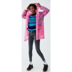 Jeansy skinny fit z niskim stanem. Szare jeansy damskie relaxed fit Pull&Bear, z jeansu, z obniżonym stanem. Za 79,90 zł.