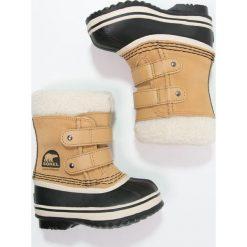 Sorel PAC Śniegowce curry. Brązowe buty zimowe chłopięce Sorel, z kauczuku. Za 319,00 zł.