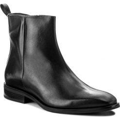 Botki GINO ROSSI - DBH584-Y76-E100-9900-F 99. Czarne buty zimowe damskie marki Gino Rossi, z polaru, na obcasie. W wyprzedaży za 279,00 zł.