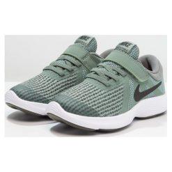 Nike Performance REVOLUTION 4 Obuwie do biegania treningowe clay green/black/river rock/white. Zielone buty sportowe chłopięce marki Nike Performance, z materiału, do biegania. Za 149,00 zł.