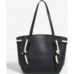 Parfois - Torebka. Czarne shopper bag damskie Parfois, w paski, z bawełny, do ręki, duże. Za 139,90 zł.