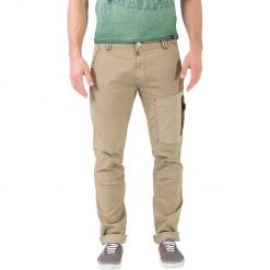 """Bojówki """"Cooper"""" - Comfort fit - w kolorze beżowym. Niebieskie bojówki męskie marki GALVANNI, l, z okrągłym kołnierzem. W wyprzedaży za 159,95 zł."""