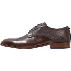 Azzaro HESPAL Eleganckie buty marron. Brązowe buty wizytowe męskie Azzaro, z materiału, na sznurówki. Za 879,00 zł.