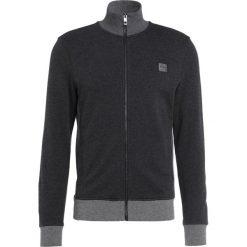 BOSS CASUAL ZOOMS Bluza rozpinana mottled grey. Szare bluzy męskie rozpinane marki BOSS Casual, m, z bawełny. W wyprzedaży za 377,40 zł.