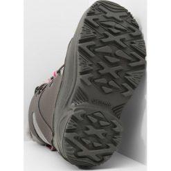 Columbia BUGABOOT PLUS III OMNIHEAT  Śniegowce shale/deep blush. Szare buty zimowe damskie marki Columbia, ze skóry ekologicznej. W wyprzedaży za 164,50 zł.