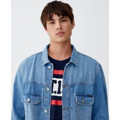 Jasnoniebieska kurtka jeansowa vintage. Niebieskie kurtki męskie jeansowe Pull&Bear, m, vintage. Za 96,90 zł.