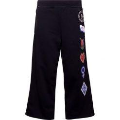 Spodnie sportowe damskie: Opening Ceremony SORORITY PATCH Spodnie treningowe black