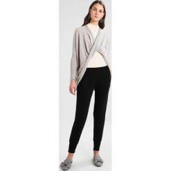 Spodnie dresowe damskie: AllSaints DARCIE Spodnie treningowe black