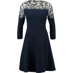 Sukienki: Derhy JARDINIERE ROBE Sukienka dzianinowa marine