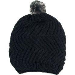 Czapka damska z futrzanym pomponem czarna (cz2504). Czarne czapki zimowe damskie marki Art of Polo, z futra. Za 36,52 zł.